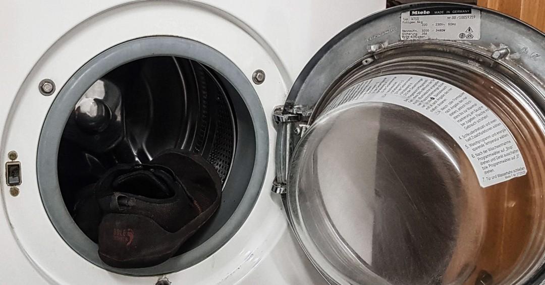 Wie werden Barfußschuhe am besten gewaschen?