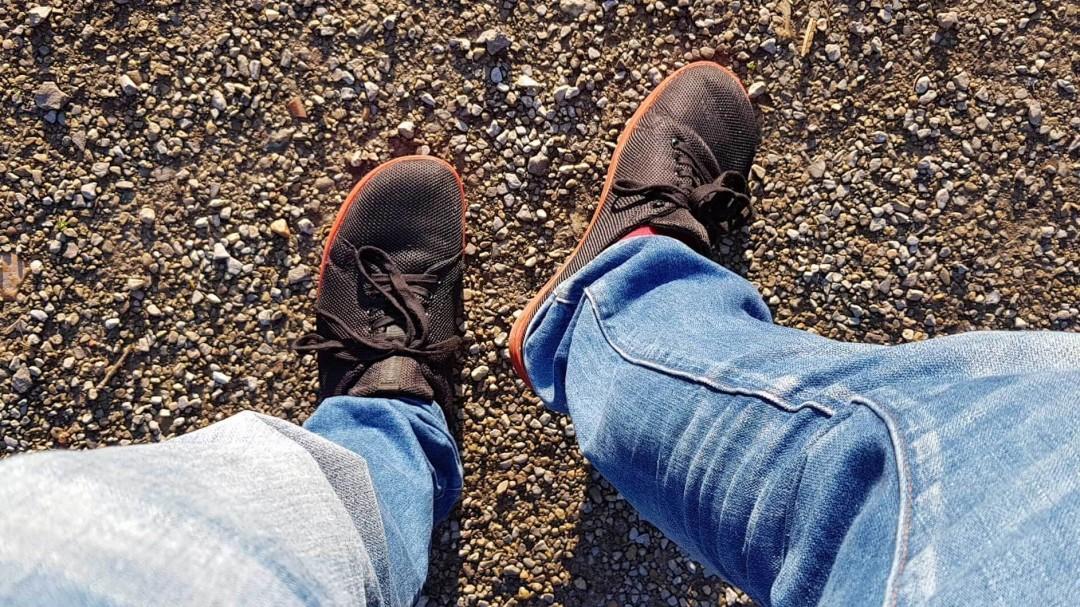 Die Feelgrounds Barfußschuhe am Fuß