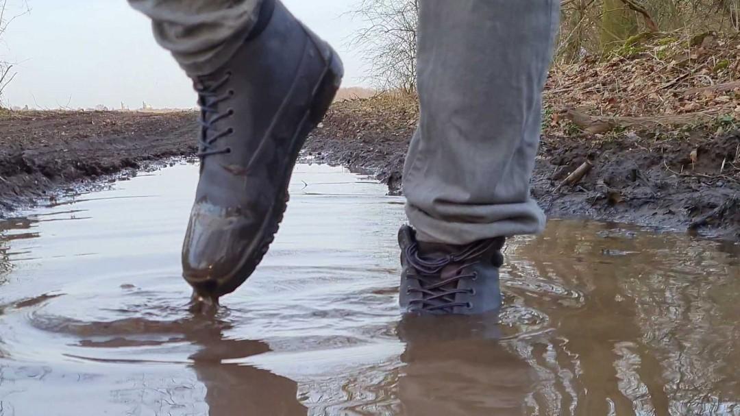 Die Feelgrounds Patrol sind bis oben wasserdicht