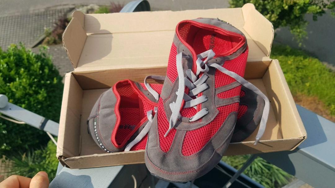 Magical Shoes Explorer im interessant kompakten Schuhkarton